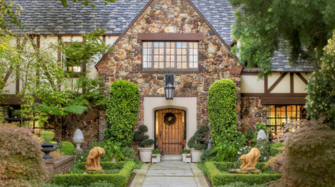 Decorating Your Home In Tudor Style